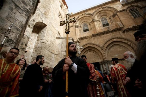 clerge-orthodoxede-ceremonie-lavage-pieds-jerusalem-13-avril-2017_0_729_486