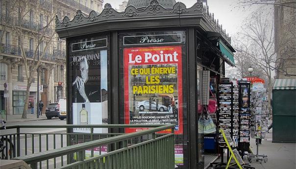 kiosque-journaux-paris