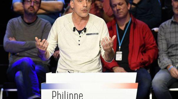 philippe-poutou-sur-le-plateau-de-bfm-tv-et-cnews-le-4-avril-2017-a-la-plaine-saint-denis_5856555