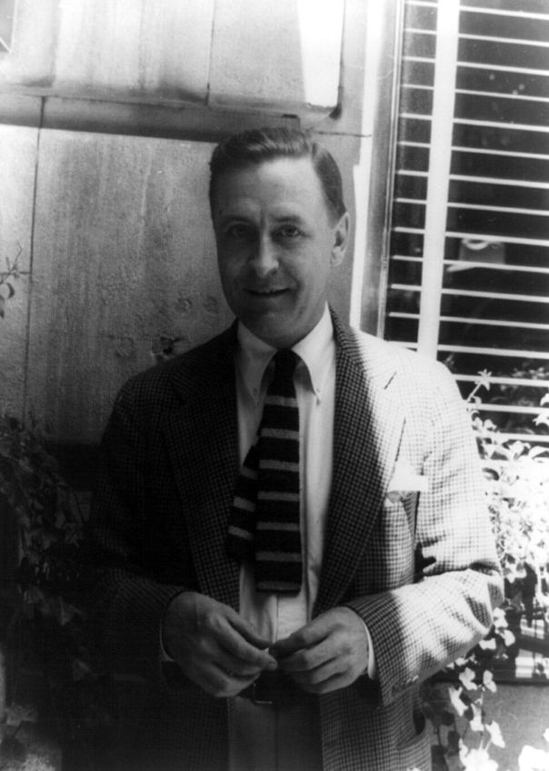 800px-francis_scott_fitzgerald_1937_june_4_28129_28photo_by_carl_van_vechten29