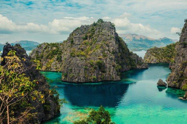 10117265-les-sept-lacs-de-l-ile-coron-aux-philippines