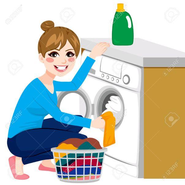 44288092-belle-jeune-femme-faire-la-lessive-mettre-des-v-tements-sales-sur-machine-laver-du-panier-banque-dimages