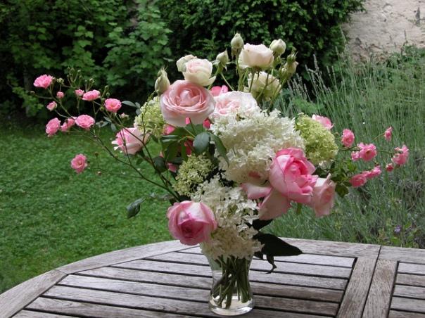 bouquet-fleurs-hortensia-roses